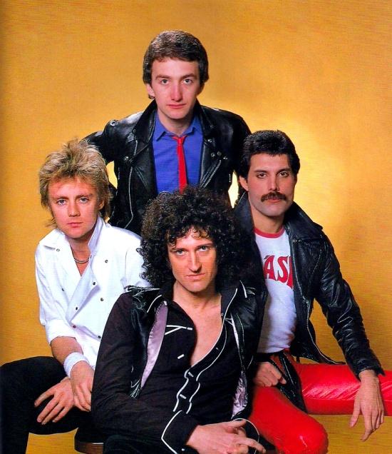 queen-in-early-80s-002