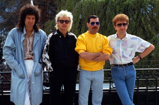 queen-in-montreux-19863