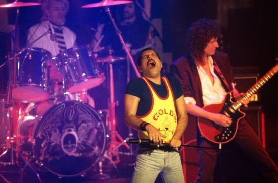 queen-in-montreux-19865