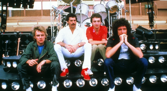 queen-in-south-america3