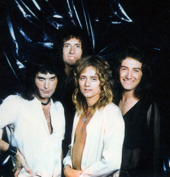 Queen photo session with Mick Rock in August 1974 (1)
