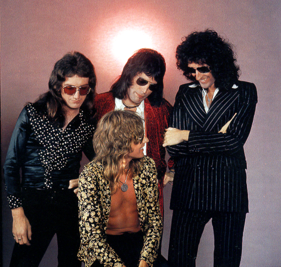 Queen Photosession in 1974  (1)
