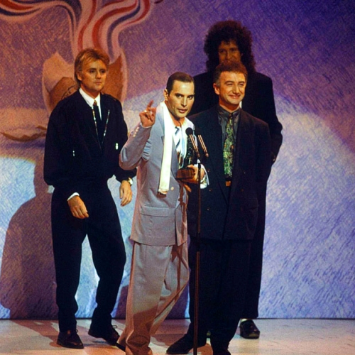 Queen Receive The Award For An Outstanding Contribution To