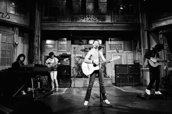 Queen (with Fred Mandel) performing on 'Saturday Night Live', in the USA, 25.09.1982