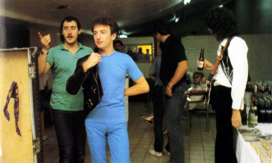 Queen with Peter Freestone on backstage