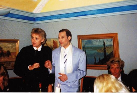 roger-taylor-freddie-mercury-and-rod-stewart-in-1990