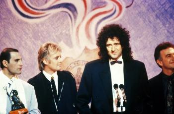 Ostatnie publiczne wystąpienie Freddiego, Brit Awards, 1990 r.