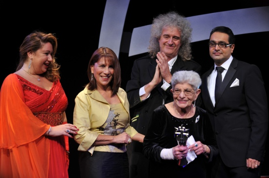 freddie-mercurys-mother-jer-bulsara-and-sister-kash-cooke-bulsara-with-brian-may-the-asian-awards-2011