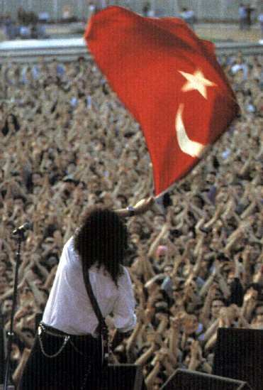 Brian w Stambule, İnönü Stadı, 26 maja 1993 r.