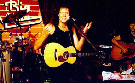 Brian May, Rzym, 5 czerwca 1998 r.; fot.: queenconcerts.com