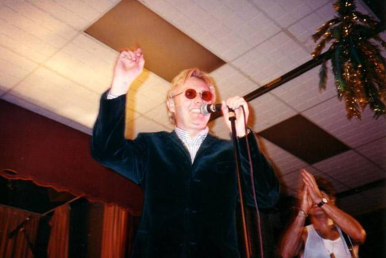 Koncert SAS Band, Chiddingfold Club, 13 grudnia 1996 r.; fot.: queenconcerts.com
