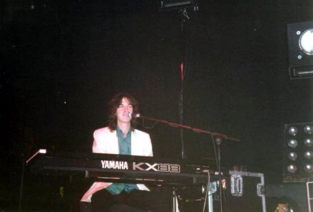 Mike Crossley, Londyn, 3 kwietnia 1999 r.; fot.: queenconcerts.com