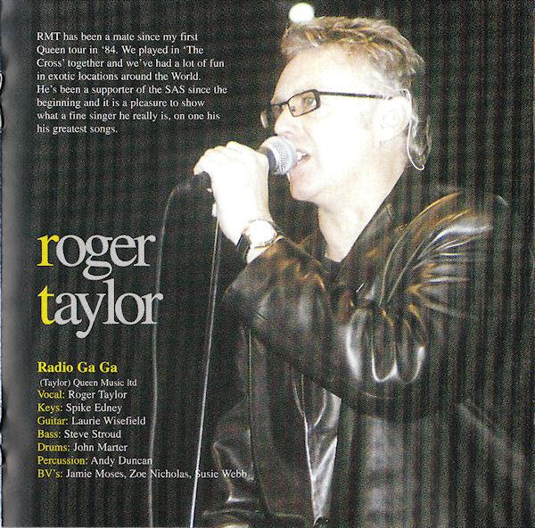 """Wkładka z albumu """"The Show"""": """"RMT jest kumplem od mojej pierwszej trasy z Queen w '84. Byliśmy razem w the Cross i dobrze bawiliśmy się w egzotycznych miejscach na całym świecie. Wspierał SAS od samego początku i cieszę się, że możemy pokazać jakim jest świetnym wokalistą, w jednej z jego największych piosenek.""""; fot.: discogs.com"""
