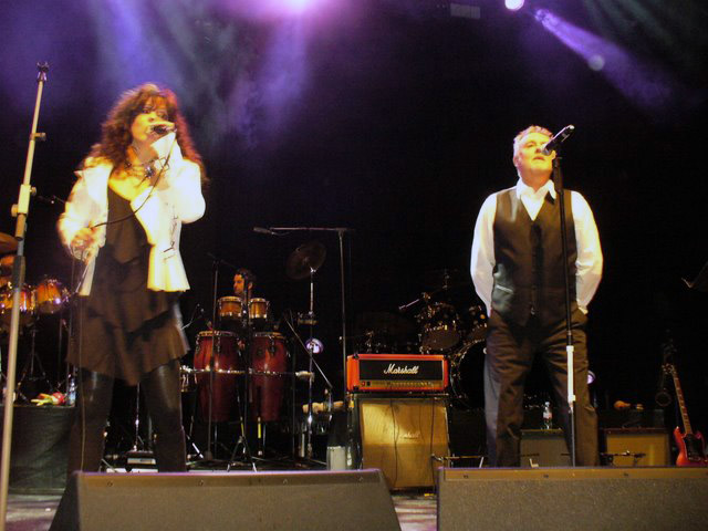 Under Pressure - Patti Russo i Roger Taylor; Londyn, 24 stycznia 2009 r.; fot.: queenconcerts.com