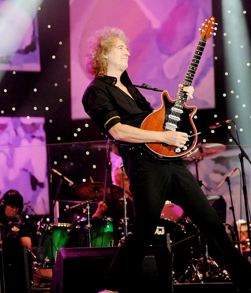 Brian May podczas Proms in the Park w Hyde Parku, Londyn, 11 września 2010 r.; fot.: queenconcerts.com