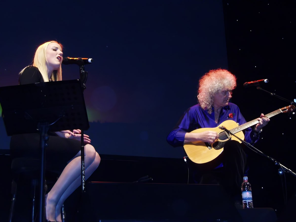 Kerry Ellis i Brian May, Leamington Spa, 6 listopada 2012 r.; fot.: queenconcerts.com