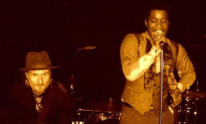 Nalle Colt i Ty Taylor z Vintage Trouble; fot.: wikimedia.org