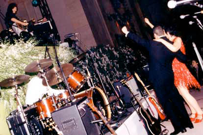 Ślub Lizy Minelli, Nowy Jork, 16 marca 2002 r.; fot.: queenconcerts.com
