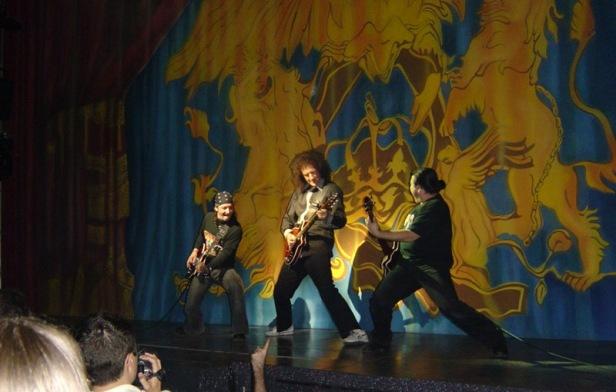 We Will Rock You w Madrycie, 3 maja 2004 r.; fot.: queenconcerts.com