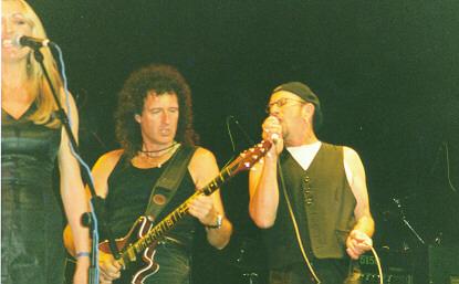 Susie Webb, Brian May i Chris Thompson, Cozy Powell Tribute Concert, 1 maja 1999 r.; fot.: Rebecca Makin, cozypowell.com