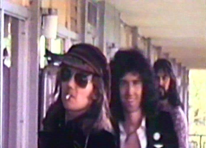 """Queen w USA, kadr (prawdopodobnie) z filmu dokumentalnego """"Mott The Hoople - Under Review"""", który oparty został głównie o to, co w tamtych czasach Morgan Fisher zarejestrował na taśmie."""