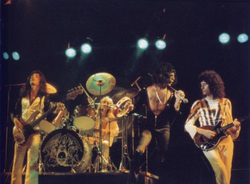 "Hammersmith Odeon 1975 r.; fot.: Mick Rock, ""Classic Queen"""