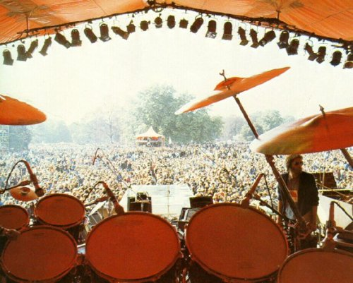 Po drugiej stronie sceny, Hyde Park, 18 września 1976 r.; fot.: queenlive.ca
