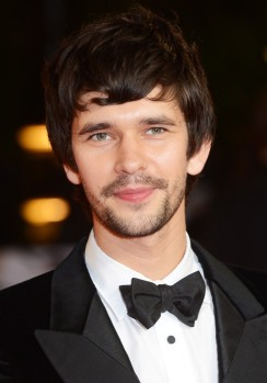 ben-whishaw-uk-premiere-skyfall-01