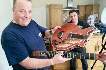 Guitarist_Oct_2014_Simon-Bradley_800x533