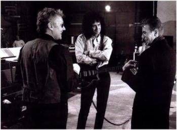 Queen-David-Bowie-queen-13068242-500-368